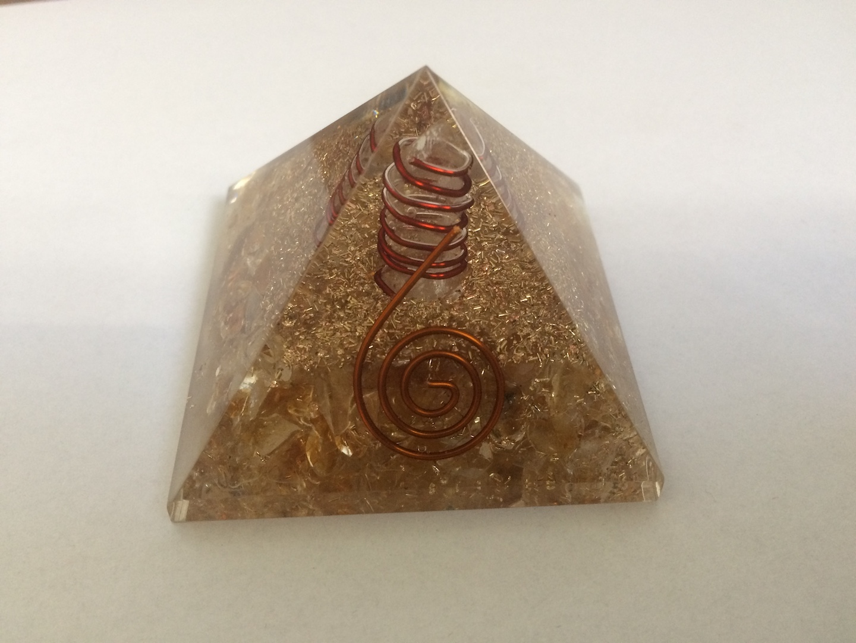 Orgone piramide met Citrien